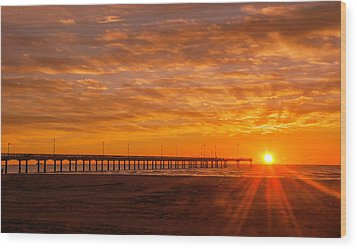 Sun Rising At Port Aransas Pier Wood Print