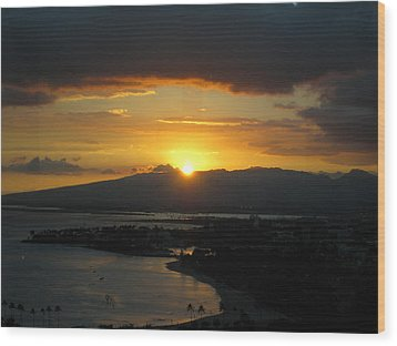 Sun Setting Over Honolulu Wood Print by Ashley Butler