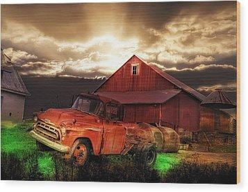 Sunburst At The Farm Wood Print by Bill Cannon