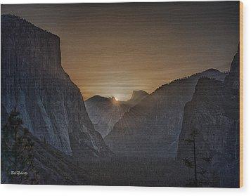 Sunburst Yosemite Wood Print by Bill Roberts