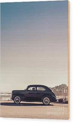Sunday Drive To The Beach Wood Print by Edward Fielding