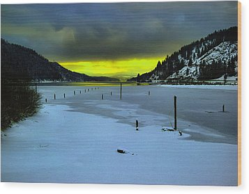 Wood Print featuring the photograph Sundown On Lake Shore by Jeff Swan