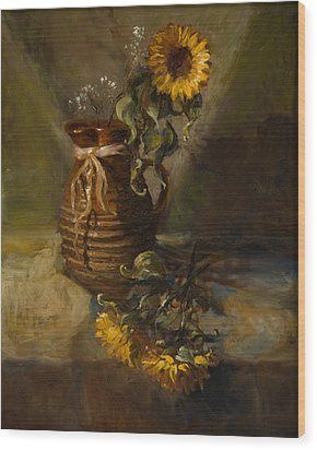 Sunflowers In Clay Pitcher Wood Print by Sandra Quintus