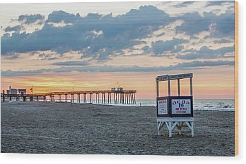Sunrise At 16th Street Ocean City New Jersey Wood Print