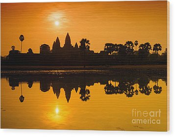 Sunrise At Angkor Wat Wood Print by Yew Kwang
