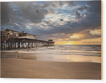 Sunrise At Cocoa Beach Pier Wood Print by Will Tan