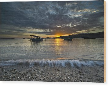 Sunrise At Lombok Wood Print