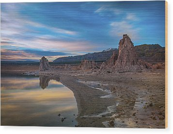 Sunrise At Mono Lake Wood Print
