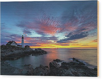Wood Print featuring the photograph Sunrise At Portland Head Light by Juergen Roth