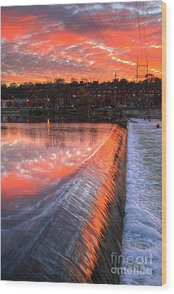 Sunrise At The Dam Wood Print by Robert Pearson