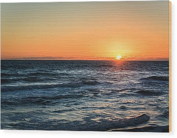 Sunrise In Nags Head Wood Print