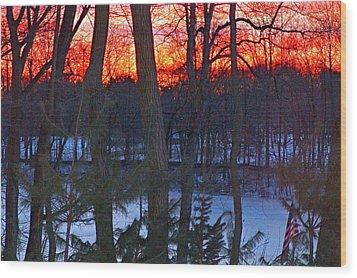 Sunrise On Farrington Lake Wood Print by Aron Chervin