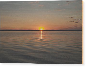 Sunrise On Seneca Lake Wood Print by William Norton