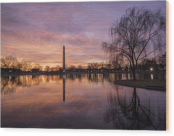 Sunrise Over Constitution Gardens Wood Print
