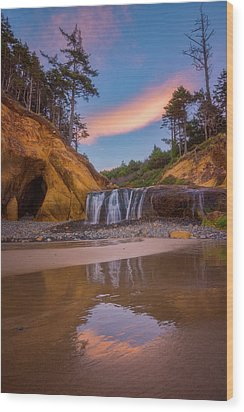 Wood Print featuring the photograph Sunrise Over Hug Point by Darren White