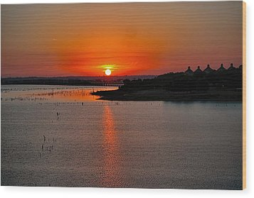 Wood Print featuring the photograph Sunrise Over Lake Ray Hubbard by Diana Mary Sharpton