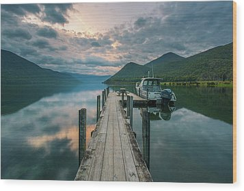 Sunrise Over Lake Rotoroa Wood Print