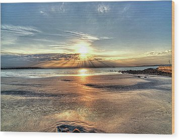 Sunrise Over Red Rock Park Lynn Ma Kings Beach Wood Print