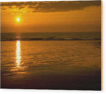 Sunrise Over The Ocean Wood Print by Svetlana Sewell