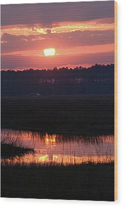 Wood Print featuring the photograph Sunrise Over The River by Margaret Palmer