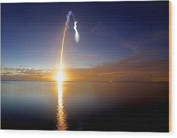 Sunrise Rocket Wood Print