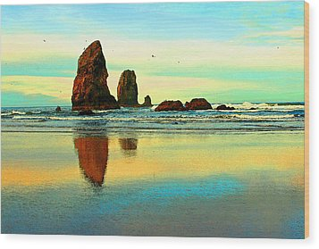 Sunrise  The Needles At Cannon Beach Wood Print by Margaret Hood