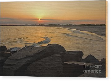 Sunset At Cape May Wood Print by Robert Pilkington
