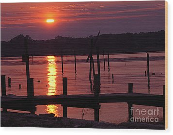 Sunset At Colonial Beach Wood Print
