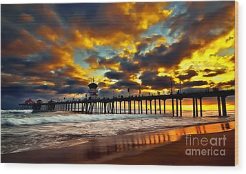 Sunset At Huntington Beach Pier Wood Print by Peter Dang