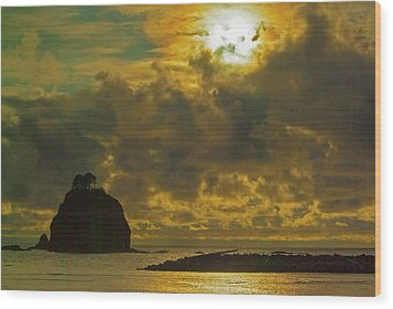 Wood Print featuring the photograph Sunset At Jones Island by Dale Stillman