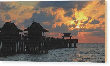 Sunset At The Naples Pier Wood Print