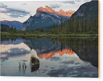 Wood Print featuring the photograph Sunset At Vermillion Lakes, Banff Canada 2 by Dave Dilli