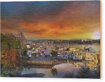 Sunset At Victoria Inner Harbor Fisherman's Wharf Wood Print by David Gn
