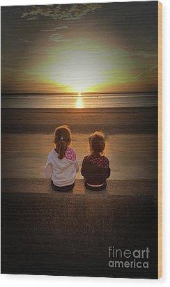 Sunset Sisters Wood Print by Lynn Bolt