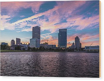Wood Print featuring the photograph Sunset In The City by Randy Scherkenbach