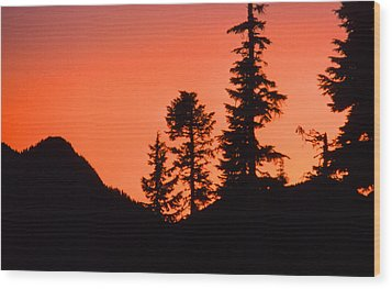 Wood Print featuring the photograph Sunset In The Mountains 2 by Lyle Crump