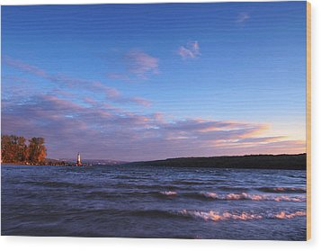 Sunset On Cayuga Lake Ithaca Wood Print by Paul Ge