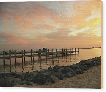 Sunset On Dewey Bay Wood Print