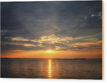 Sunset On Lake Hartwell Wood Print by Lynne Jenkins