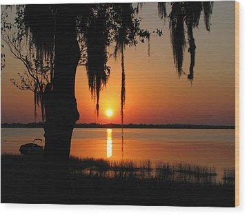 Sunset On Lake Minneola Wood Print by Peg Urban