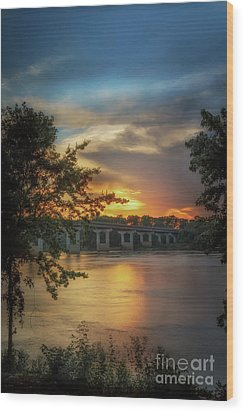 Sunset On The Arkansas Wood Print