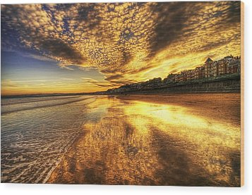 Sunset On The Beach Wood Print by Svetlana Sewell