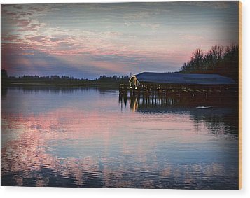 Sunset On The Lake Wood Print by Dave Chafin
