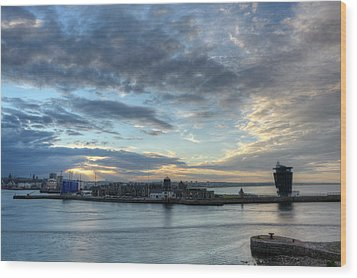 Sunset Over Aberdeen Wood Print