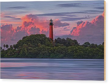Wood Print featuring the photograph Sunset Over Jupiter Lighthouse, Florida by Justin Kelefas