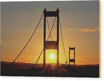Sunset Over The Severn Wood Print by Brian Roscorla