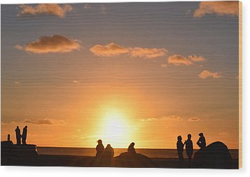 Sunset People In Imperial Beach Wood Print