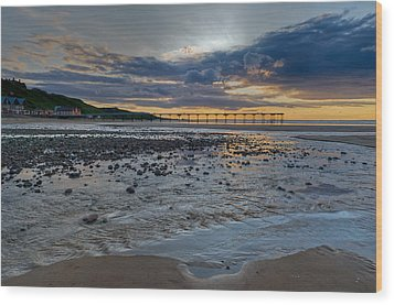 Sunset With Saltburn Pier Wood Print by Gary Eason