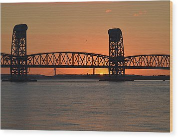 Sunset's Last Light Bridges Over Jamaica Bay Wood Print by Maureen E Ritter