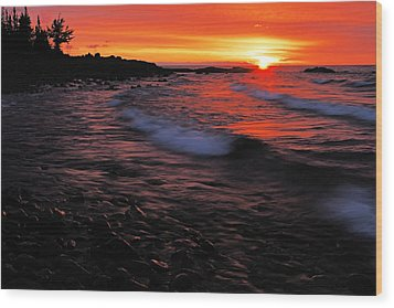 Superior Sunrise 2 Wood Print by Larry Ricker